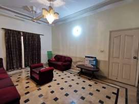 SILENT COMMERCIAL PORTION FOR RENT 240 SQYD IN GULSHAN E IQBAL BLOCK 5
