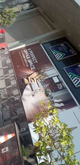 Office for sale in BAHRIA TOWER TARIQ ROAD. Urgent sale.