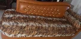 Sofa corak macan