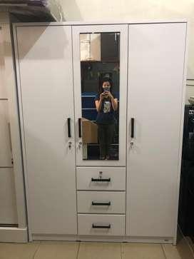 Lemari Pakaian 3 Pintu / Lemari Baju 3 Pintu Kaca Warna Putih