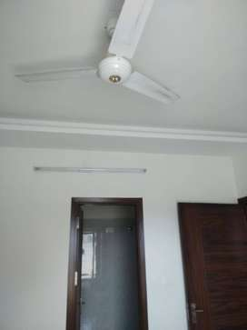 Very Good Atmosphere 3 bhk Ready to Move flat at Sector 9, Der