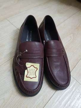 Pure leather branded Shoes form England