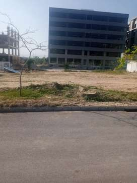 Business square commercial plot for sale in gulberg green islamabad