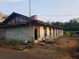 Tanah dan bangunan  semi permanen