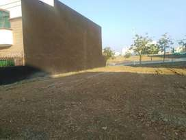Top Location 10 Marla Plot For Sell in Bahria Town Phase 8 G Block