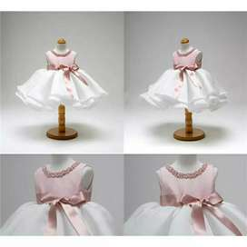 Gaun istimewa buat anak tercinta