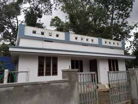 A SUPREB NEW 2BED ROOM 850SQ FT 4CENTS HOUSE IN VALLACHIRA,THRISSUR