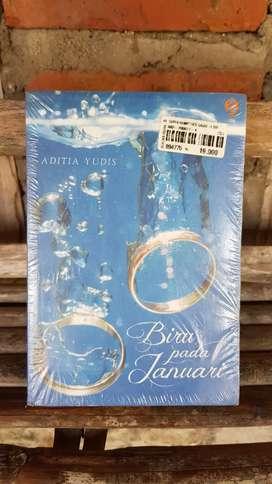 Jual Novel Biru Pada Januari (Romantis)