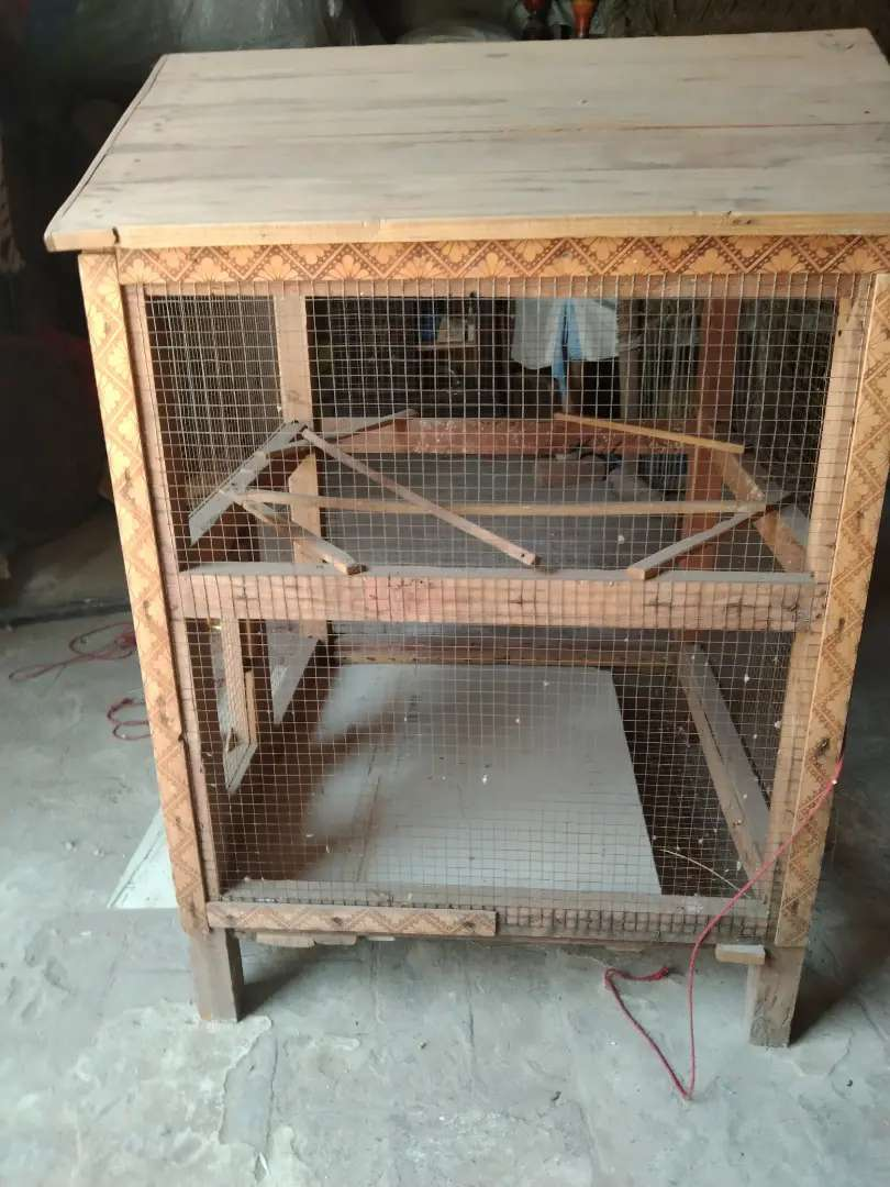 Wooden cage in good condition 0
