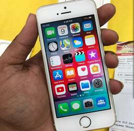 Iphone se 32gb 6 Month old