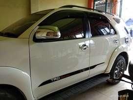 Jual Mobil fortuner tahun 2014,, km rendah,  pemakaian pribadi
