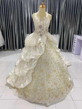 Gaun pengantin second