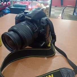 Nikon D3100 + BG