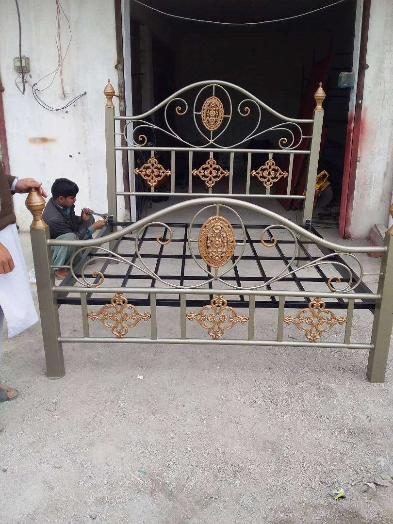Iron Bed 0