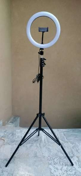 26cm ringlight with 7ft tripod stand new (original pictures attached)