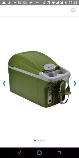 COOLING BOX MOBIL merek MOBICOOL 8 liter