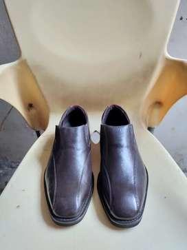 Sepatu gino mariani original 40
