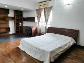 3 bedroom (2330 sq ft) fully furnished apartment