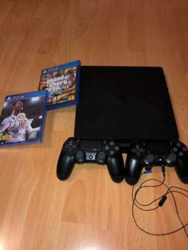 PS4 slim 1tb in perfect condition