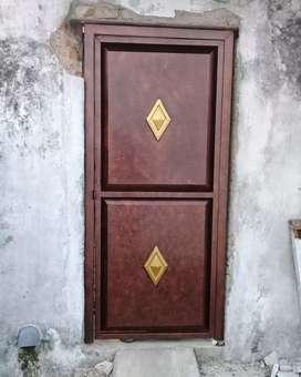 Pintu pengaman bahan galvanis per pintu