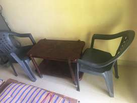 Plastic chairs,rarely used,plastic table