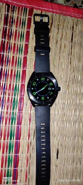 Noise endure smart watch