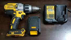 DeWalt DCD996 brushless hammer drill with 6Ah battery & Charger