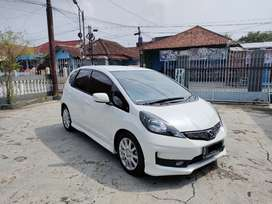 Jazz Rs matic 2013 (low km)