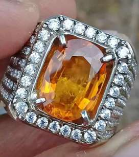 Natural vivid orange sapphire 5.4crt