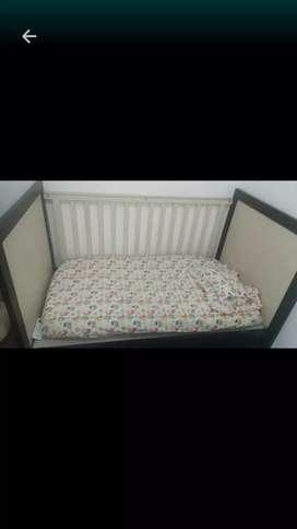Box tidur / tempat tidur bayi