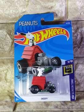 Hot Wheels Snoopy HotWheels