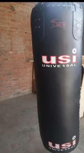 Usi pure leather punching bag like new 4.5 feet