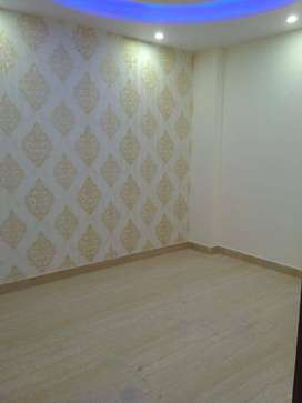 3 BHK BUILDER FLOOR WITH LIFT & CAR PARKING FOR IN UTTAM NAGER