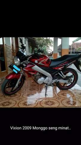 Jual motor vixion old merah 2009