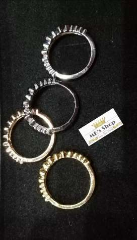 4 Pieces New Designed Finger Rings For Her