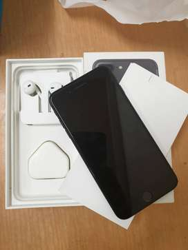 VERIFIED REFURBISHED 7 PLUS WITH ACCESSORIES IN 128 GB