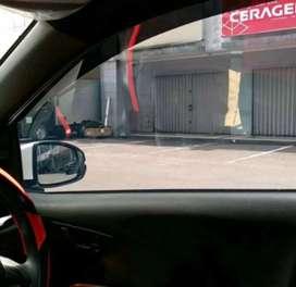 Kaca Film mobil gelap dari luar terang dari dalam