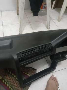 Dashboard E30 1991 M40 kondisi Seperti baru,tidak ada retak atau sobek