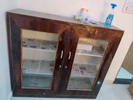 Crockery show case for sale in new condition