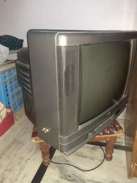 FULLY WORKING COLOR TV