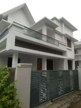 4 bhk 2400 sft new build posh house at aluva very close to kochin bank