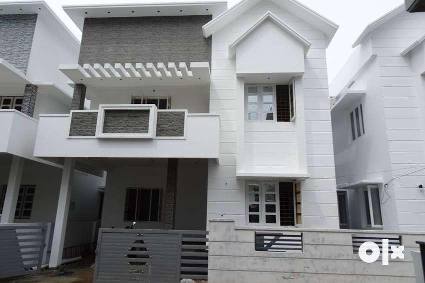 Brand new House Edappally ponekkara near bus stop and lulu mall 0