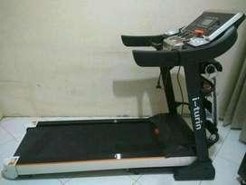 Treadmill Elektrik i Turin // BG Create 12K58
