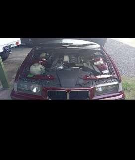 Jual mobil BMW 320i