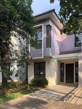 Rumah sangat strategis, terawat di Caspia BSD City JUAL CEPAT