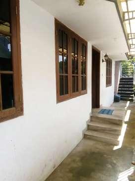 Veedu panayathinu ₹600000 ,ground floor, fully tiled, road side
