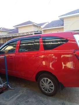 Dijual mobil daihatsu sigra