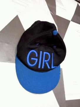 Topi keren wanita