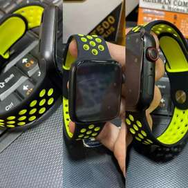 T500 plus smart watch with 2 straps available
