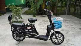 Sepeda listrik mulus 99%